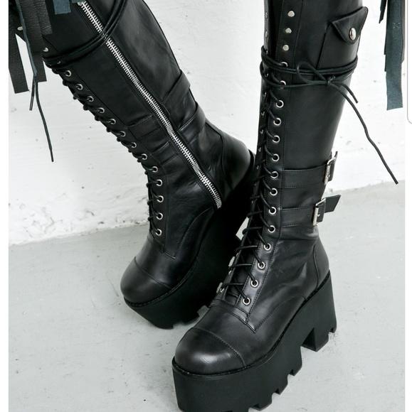 9b95b2a9342a5 Dolls Kill Shoes - Current mood Jane doe boots.